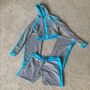 Grey and turquoise workout outfit sz S